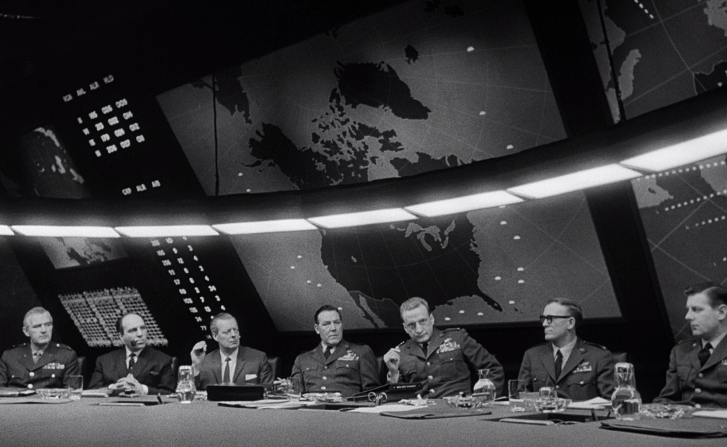 an analysis of the film doctor strangelove or how i learned to stop worrying and love the bomb